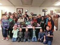 4-H members and blankets